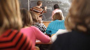 Стимулирующие выплаты педагогам: критерии, примеры