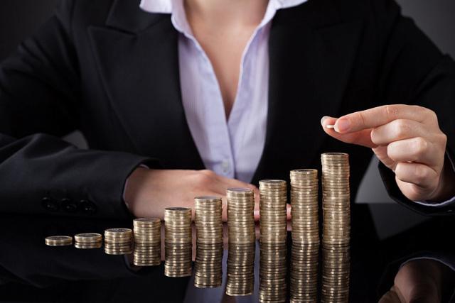 Роструд пояснил, когда оплата труда может быть меньше МРОТ