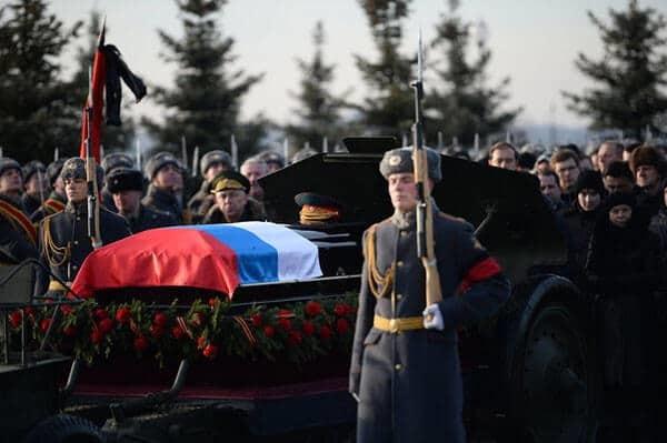 Погребение военнослужащих: пособия и компенсации, государственная помощь