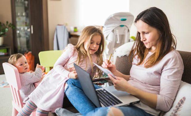 Социальные пособия и выплаты матерям-одиночкам в 2020 году: материальная помощь одиноким матерям, размер и расчет, как получить и оформить, документы и новости