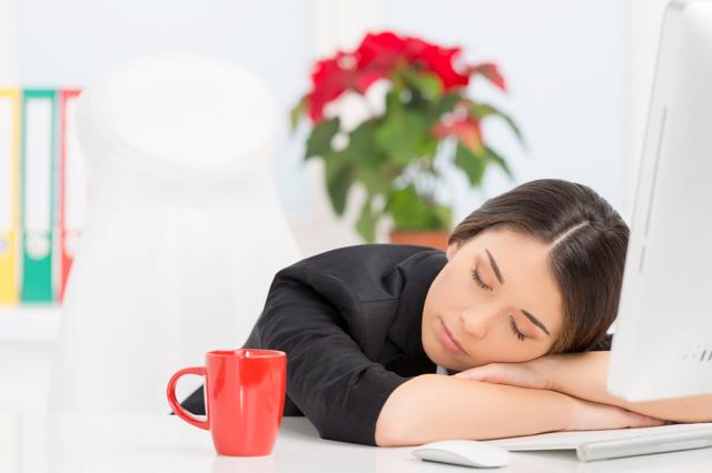 Досрочный выход из декретного отпуска: правила и порядок оформления выхода на работу, необходимые документы, сохранение пособия