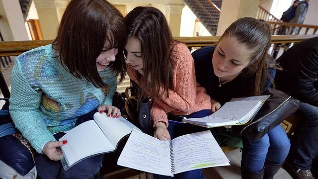 Российские студенты вновь смогут кредитоваться вобразовательных целях нальготных условиях