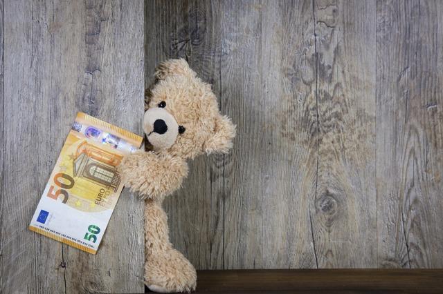 Когда можно получить материнский капитал: сколько и когда можно снять денег в 2020 году