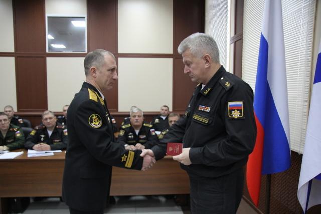 Медаль Жукова: льготы и выплаты, за что награждают, описание награды
