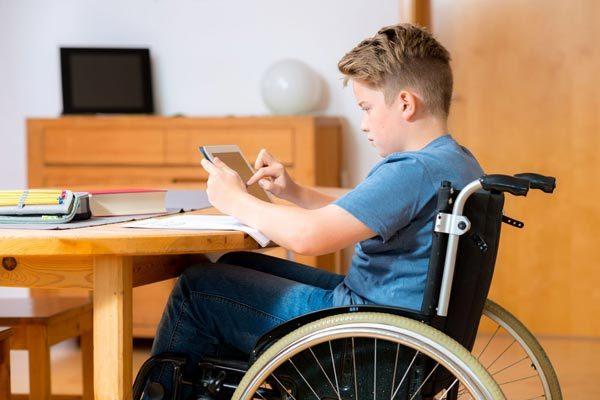 Депутаты предложили доплачивать родителям, ухаживающим за детьми-инвалидами