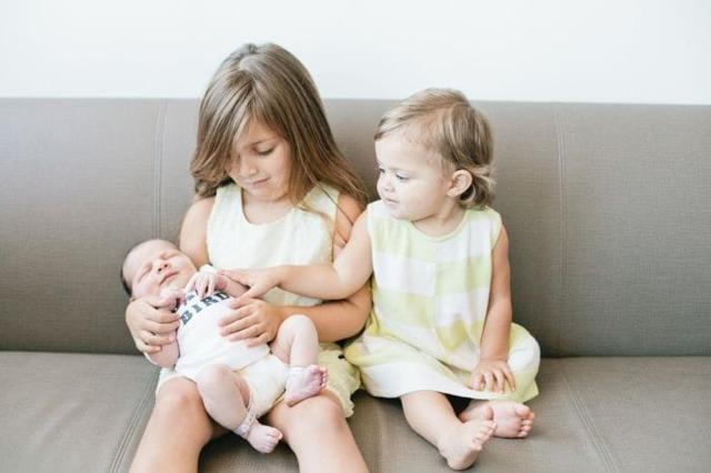 Материнский капитал при усыновлении ребенка: особенности получения и оформления в 2020 году