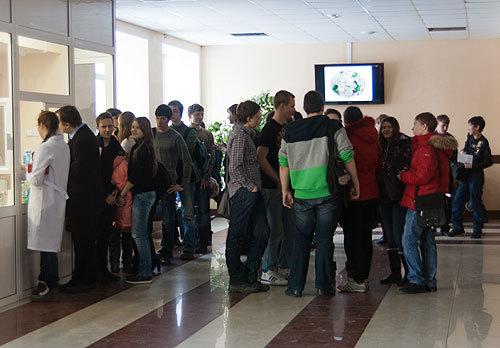 Социальные выплаты, пособия и материальная помощь студентам в 2020 году: как получить и оформить, документы, законы, новости