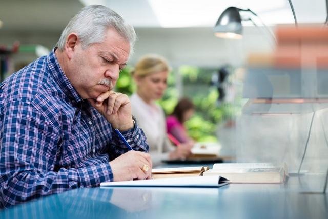 Работающие пенсионеры после увольнения в2018г. имеют право наиндексацию за3месяца
