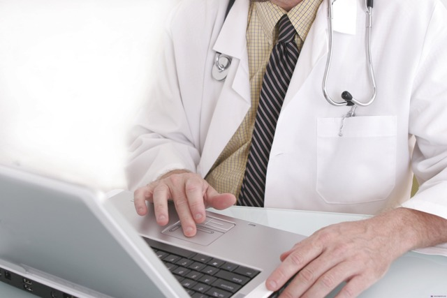 Входит ли больничный в страховой стаж: правила и условия учета
